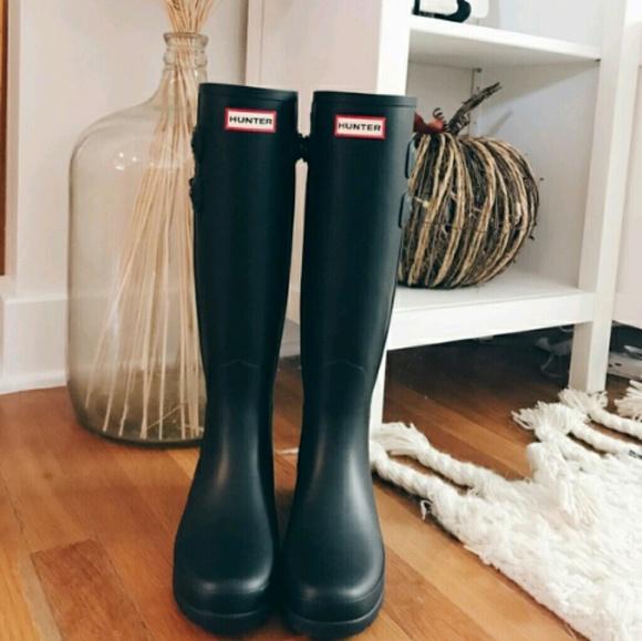 a6eceec9c50 Hunter Refined Back Strap Matte Tall Rain Boots